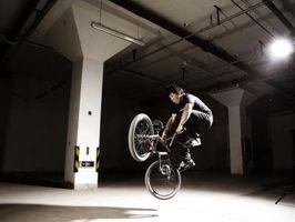 Truques da bicicleta de BMX para Iniciantes
