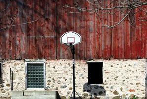 Baixando uma tabela de basquete com segurança