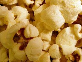 Bolas de pipoca Feito com marshmallows