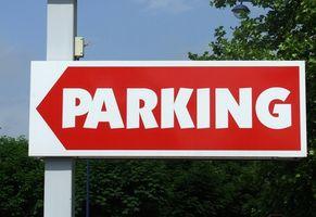 O estacionamento do aeroporto Perto OIA, Florida