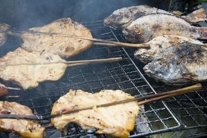 Como cozinhar peixe em uma Rotisserie