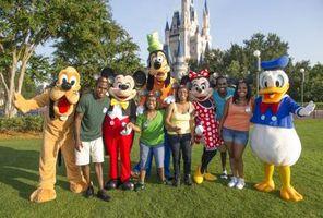 Motéis e possui um traslado para a Disney World, na Flórida