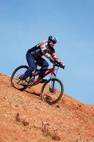 Como montar uma bicicleta com guidão reto